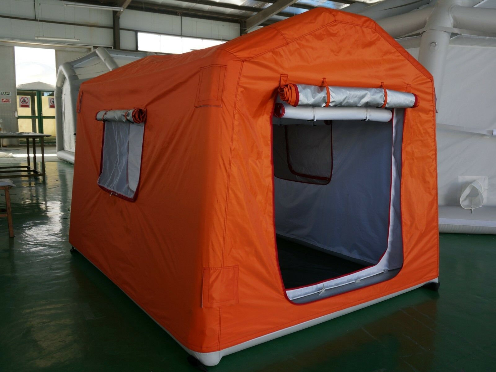 AIR TIGHT WATERPROOF Inflatable Family Camping Tent Recreation Tent Camping W/ Pump Brand NEW 04b84d