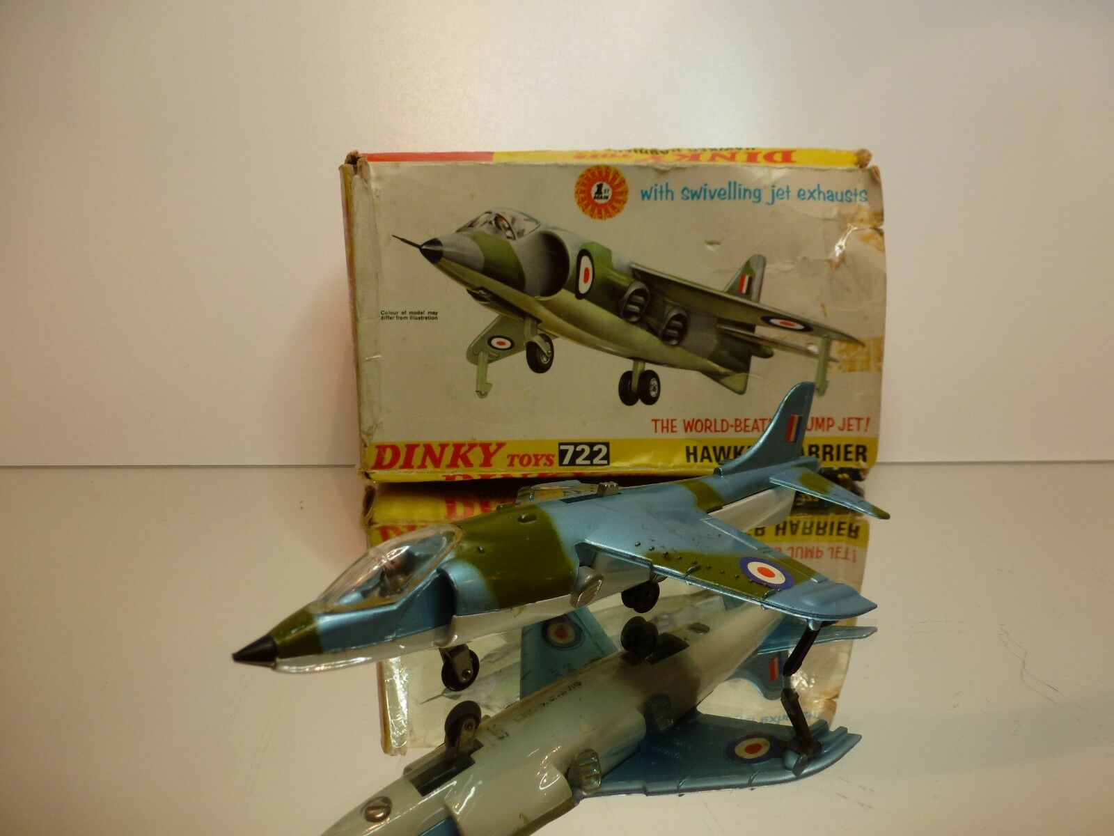 DINKY TOYS  722 HAWKER HARRIER - JUMP JET - CAMOUFLAGE blu - GOOD IN BOX