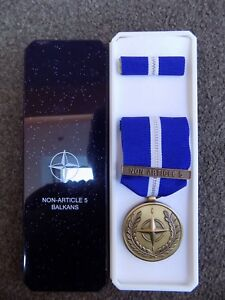GENUINE-NATO-MEDAL-NON-ARTICLE-5-BALKANS-IN-NAMED-BOX-OF-ISSUE-PRE-JAN-2011