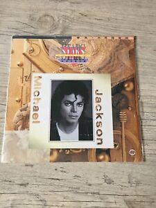 """Michael Jackson LP """" STARS Collection """" Very rare official CHINA disc ! Complet - France - État : Occasion : Objet ayant été utilisé. Consulter la description du vendeur pour avoir plus de détails sur les éventuelles imperfections. Commentaires du vendeur : """"Sleeve : Excellent / Disc : Mint"""" - France"""