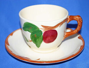 2-Franciscan-China-Apple-Cups-amp-Saucers-USA-Vintage