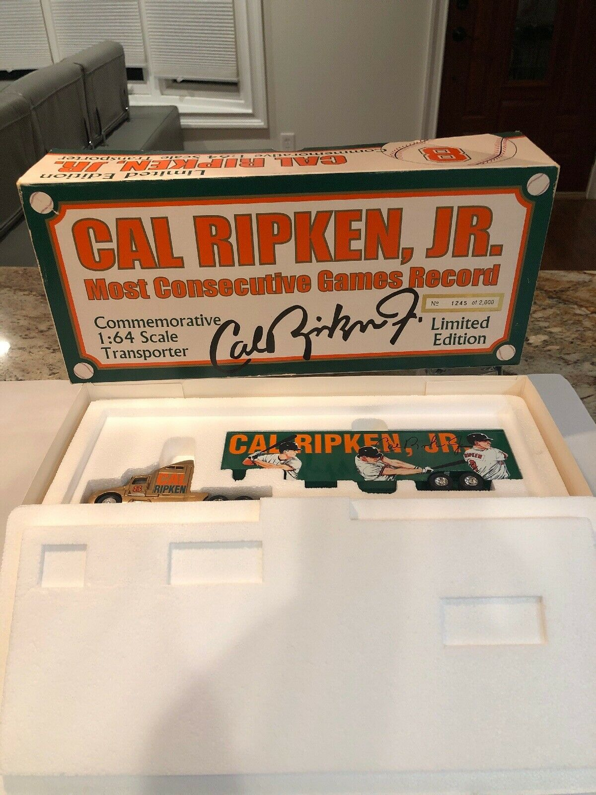 cómodamente Escala 1 64 Cal Ripken transportador de edición limitada conmemorativa conmemorativa conmemorativa Camión súper Raro  mejor calidad