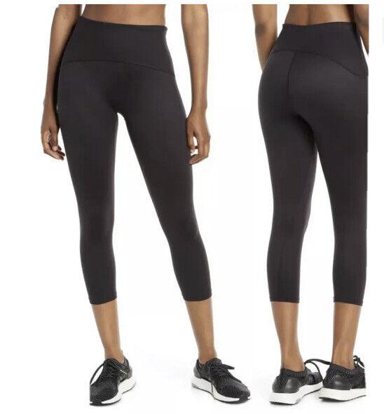 NWOT Spanx Active crop legging in black size M