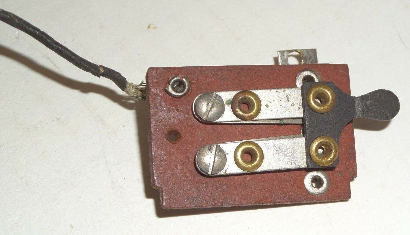 ORIGINAL DORFAN PREWAR STANDARD GAUGE LOCOMOTIVE -MANUAL REVERSING UNIT ASSEMBLY