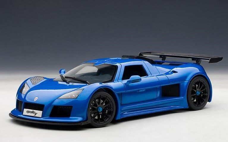 71303 bilkonst 1 18 Gumpert Apollo S blå
