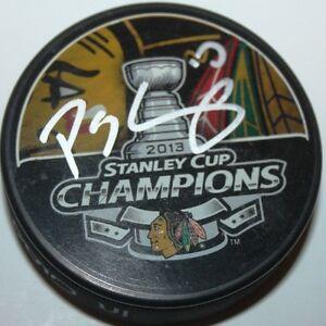 Patrick-Sharp-signed-Chicago-Blackhawks-2013-Stanley-Cup-Puck-w-case-COA