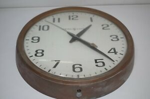 Vintage-GENERAL-ELECTRIC-GE-Large-Brown-WALL-CLOCK-Industrial-School