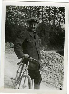 PHOTO-snapshot-L-homme-a-la-bicyclette-velo-moustache-portrait-CA-1910