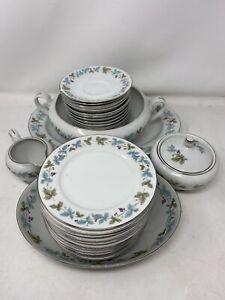 Large-Set-Of-Vintage-Fine-China-Japan-6701