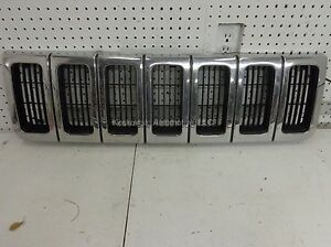 98-Jeep-Grand-Cherokee-Chrome-Grille-Assembly-Vertical-Bars-97-96