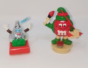 Christmas-Figures-Hershey-Chocolate-Kiss-Red-M-amp-M-Elf-Sleigh-Holiday-Lot-of-2