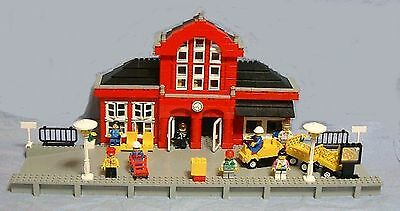 LEGO Brick 2 x 4 x 2 with Curved Top with Clock 4744px30 Gare Train Station...