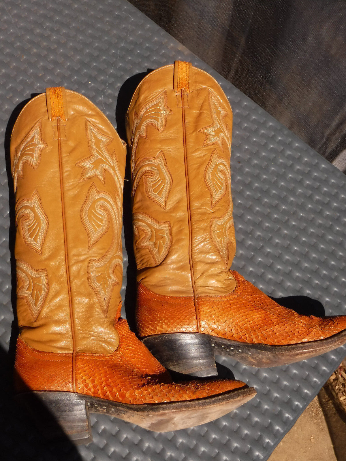 LARRY MAHAN Brown snakeskin Leather Tall Cowboy Boots Women's 6 western vtg 70's
