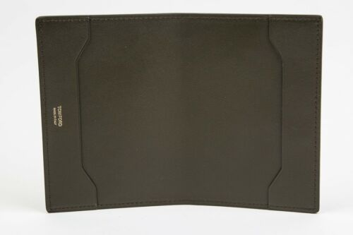 Tom Ford Solid Green Smooth NWT 100/% Calf Leather Bifold Wallet Passport Holder