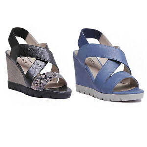 a37c74283a0 The Flexx Came Lot Women Leather Black Gold Strappy Wedge Sandals ...