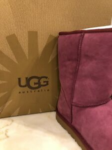 35c075dd927 Details about UGG Australia Women's Classic Short Sheepskin Boots 5825 In  PMG Size 9