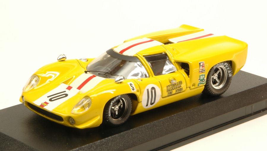Lola t70 Coupe' dnf 12 h Sebring 1968 J. bonnier s. axelssonn 1 43 Model