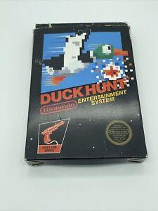 Duck Hunt NES CIB Hang Tab Black Box W/ 5 Screw Cart & Manual-COMPLETE/TESTED