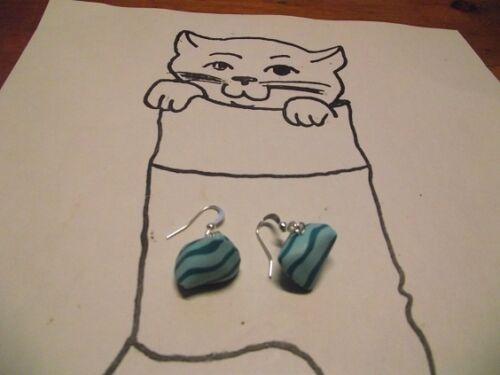 Boucle d oreille berlingot bleu clair-bleu