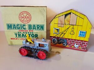 Tin-Toy-1950-039-s-Marx-USA-mechanical-MAGIC-BARN-WITH-TRACTOR-mint-in-box-complete