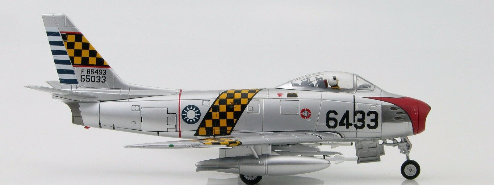 HOBBY MASTER - F-86F SABRE JET - 6433, 1st TFW, ROCAF  -1 72 - MINT & BOXED