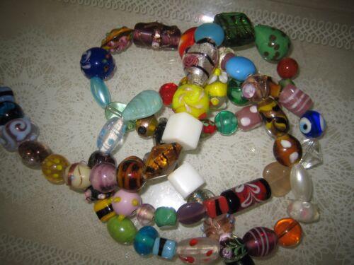 130 g environ 50 perles PERLES DE VERRE MIX un brin coloré perles environ 110 G