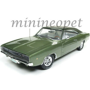 AUTOWORLD-AMM1140-CLASS-OF-68-1968-DODGE-CHARGER-R-T-1-18-DIECAST-MODEL-GREEN