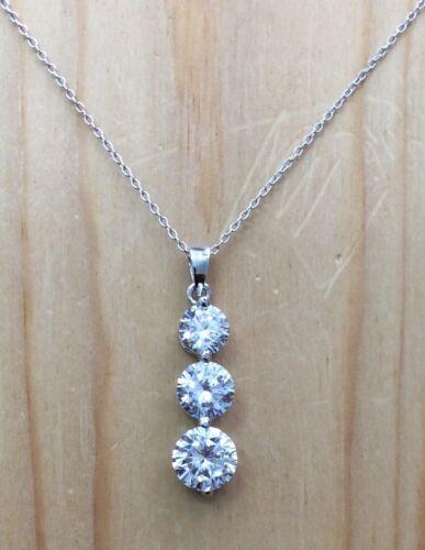 5.65ctw magnifique diamonique Stone Journey Collier Pendentif Neuf