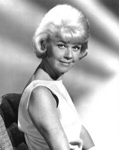 Doris Day unsigned Vintage B/&W 8x10 Photo