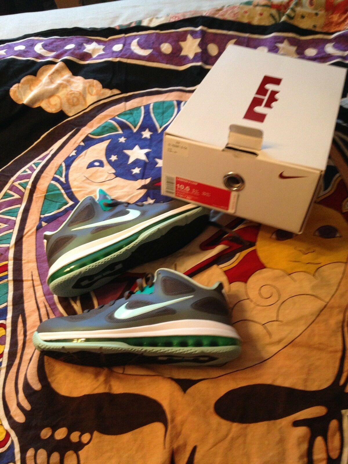Nike Lebron 9 Low Easter Men's 10.5 NIB New shoes for men and women, limited time discount