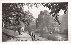 R265955 sur la rivière à Shrewsbury. Wilding No. 1088. Wilding et fils Ltd. Post