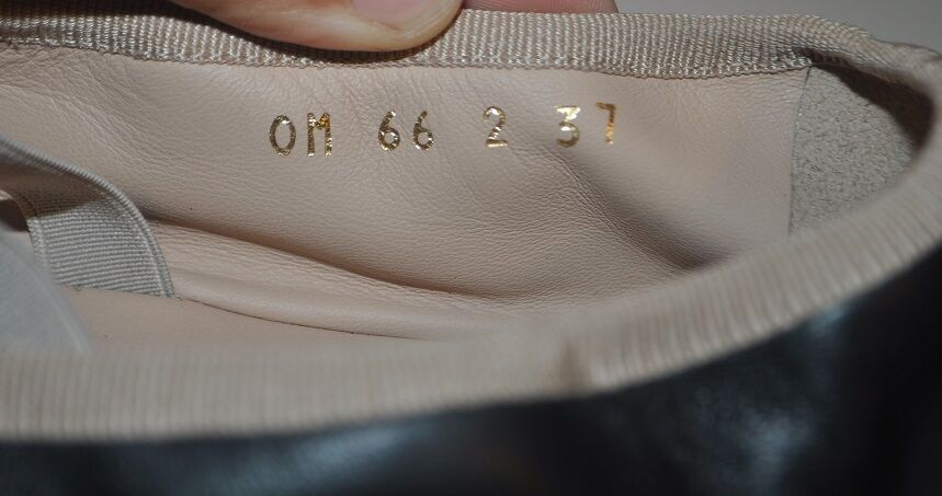 NIB Valentino Rockstud Leather Ballerina Ballet Ballet Ballet Espadrille Flat chaussures noir 37- 7 d8e410