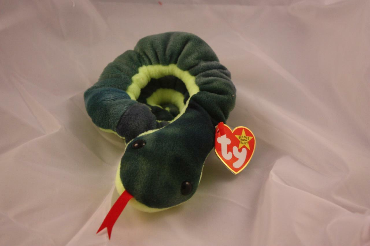 Original Retired TY Beanie Baby Hissy
