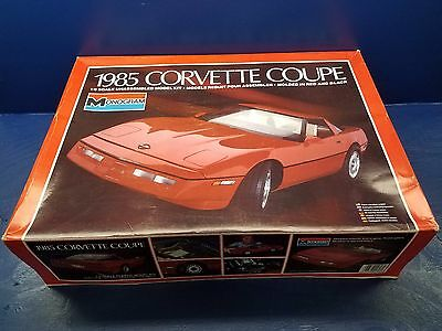 MONOGRAM 1/8 Scale Model Car Kit 1985 Corvette Coupe #2608
