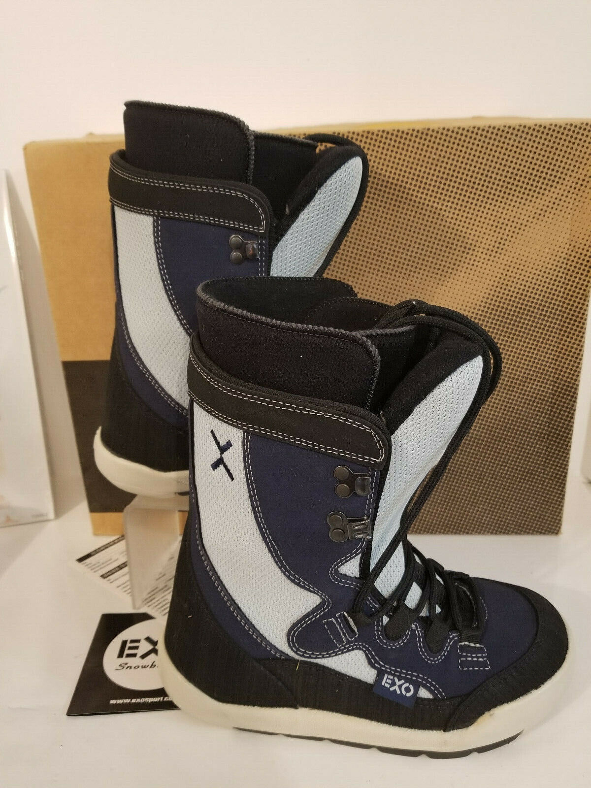 EXO Showboard Boots Women Size 7 Xgreen bluee & White Very Good Condition with Box