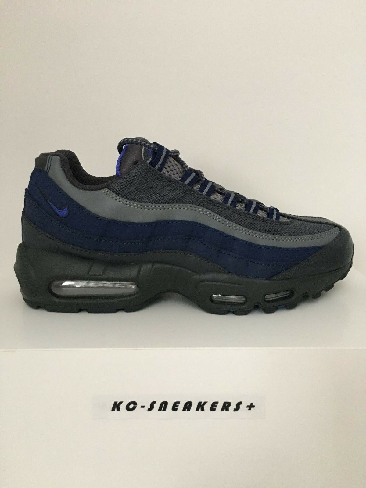 Nike Air Max 95 Essential      US 7   EUR 40   NEU