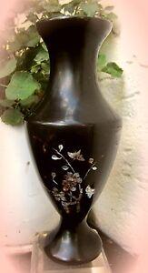 zauberhafte-chinesische-bakelit-vase-mit-perlmutt-um-1910