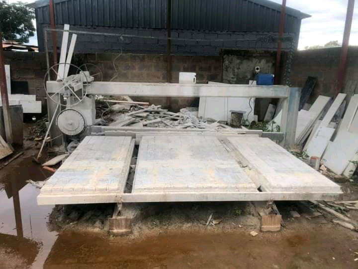 """3-Phase Granite Cutting machine and Crane with """"block n tackle"""" for sa"""
