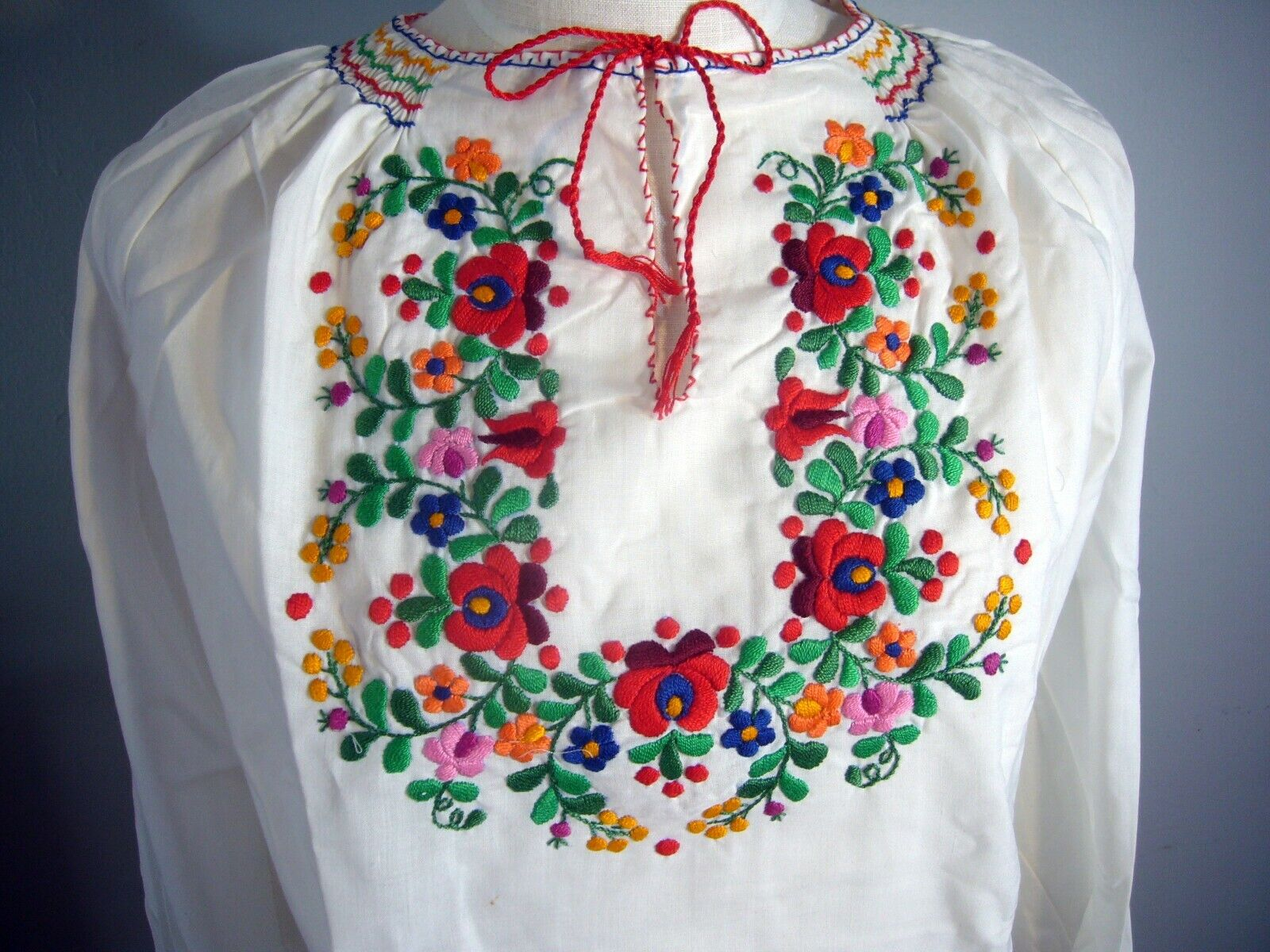 NOS 1950-70s Hand Embroidered Hungarian Gauze She… - image 2