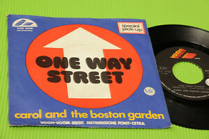 CAROL-AND-BOSTON-GARDEN-7-034-ONE-WAY-STREET-ORIG-ITALIA-1975-EX