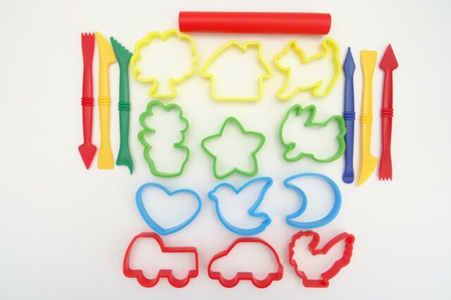 CLAY PLAY DOH FIMO DOUGH TOOLS SET OF 19 CUTTERS ROLLING PIN MODELLING CRAFT