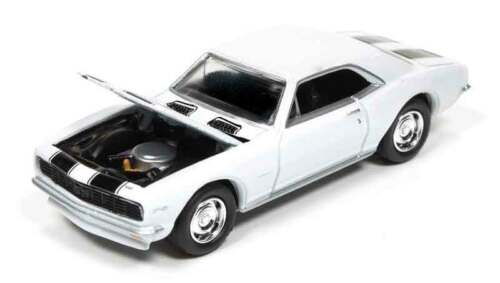 1/64 JOHNNY LIGHTNING MUSCLE SERIES 2 1967 Chevrolet Camaro Z28 in White with Bl