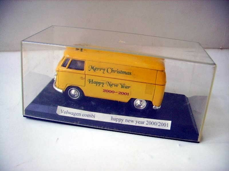 SOLIDO 1 43 - COMBI VW happy new year 2000   2001