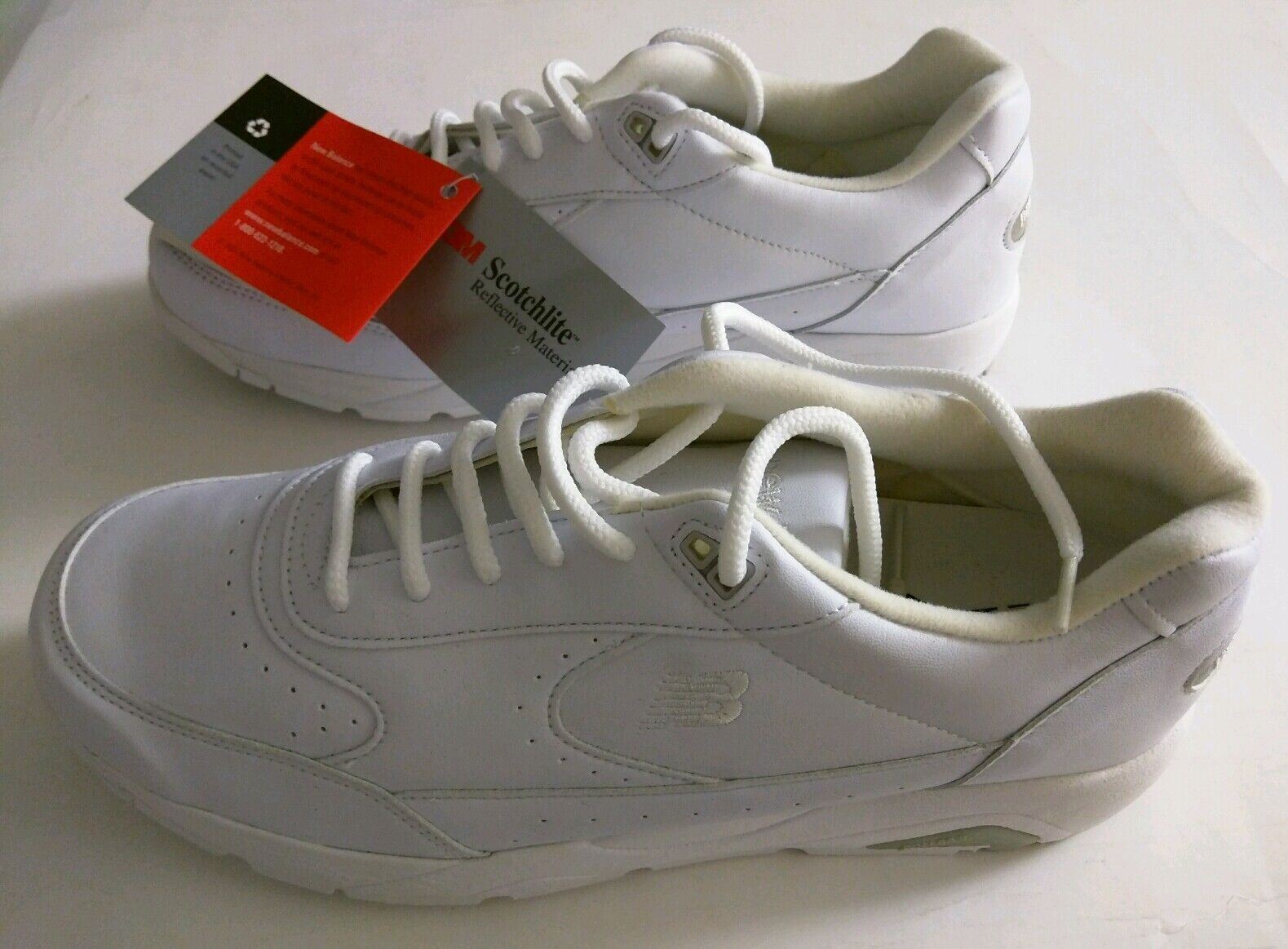 WOMEN'S NEW BALANCE SNEAKERS SIZE 9 12 WHITE REFLECTIVE MATERIAL 3M   NEW