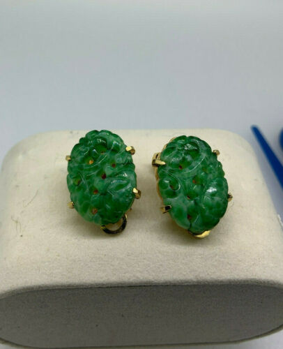 Vintage Marvella green stone carved clip on earrin
