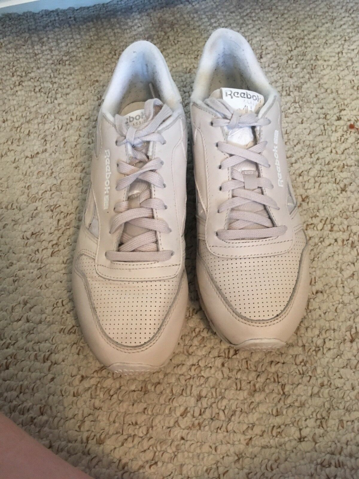 Reebok classic size 5 trainers great condition, barely worn, very pale pink
