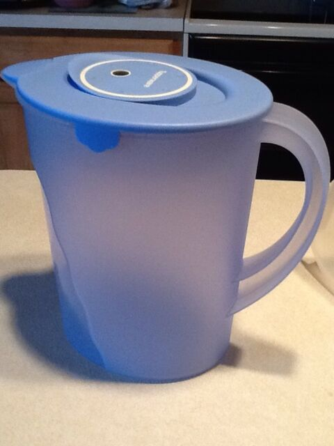 Tupperware Blue Gallon Impressions Eco Water Filter Pitcher Uses Brita Crystals