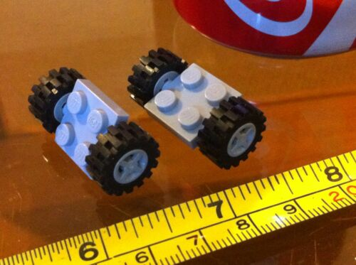 Base Gris LEGO 2x2 gris rueda coche vehículo 4 ruedas en total