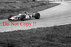 Jim-Clark-Gold-Leaf-Team-Lotus-48-Hockenheim-F2-1968-Photograph-2