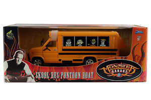 Ford-Skool-Bus-Pontoon-Boat-1-24eme-Monster-Garage